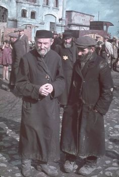 Jewish men in the ghetto of Kutno, Poland, Picture taken by Hugo Jäger, personal photographer of Adolf Hitler Nagasaki, Hiroshima, Jewish History, World History, World War Ii, Fukushima, Historia Universal, Vietnam, Interesting History