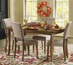 Happy Thanksgiving! What do you think of this traditional dining room design? Coastal Virginia Magazine's Best Kitchen & Bathroom Remodeler#dogoodwork #kitchendesign #hgtv #kitchen #bathroom #homeimprovement #home #remodeling #remodel