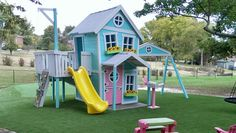 Puppenhaus Spielset mit zwei Etagen von ImagineThatPlayhouse