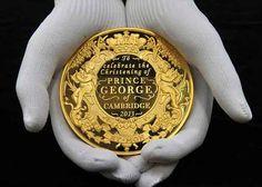 regatulunit.com Cate-o-monedă-de-argint-pentru-copii-născuți-în-aceeași-zi-cu-Prințul-George