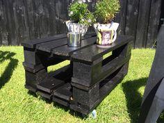 Garden pallet table