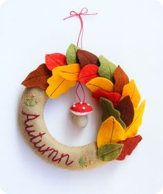 DIY Felt Fall Wreath - FREE Pattern and Step-by-Step Tutorial