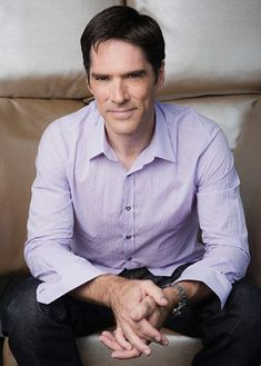 Thomas Gibson Talks Criminal Minds, Mandy Patinkin, and Missing Comedy