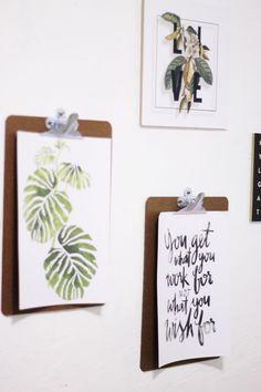 Faça você mesmo a decoração para seu home office! Tem muita inspiração minimalista e voltada para as tendências de 2016 em decor como o mármore!  Tem DIY de Mouse Pad de Mármore, quadrinhos baratos e práticos e dicas de organização de objetos!