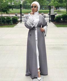 very beautiful hijab-look 😙😙😙 Modest Fashion Hijab, Hijab Chic, Abaya Fashion, Hijab Outfit, Hijab Dress Party, Abaya Designs, Islamic Fashion, Muslim Fashion, Modest Wear