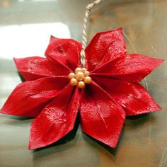 Paper Ponsettia tutorial - might add this to my wreath