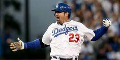 Adrián González fue nombrado el jugador de la semana por la Liga Nacional de la MLB http://