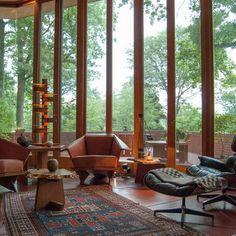 amazing Frank Lloyd Wright home in Ohio.