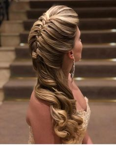 Look at the webpage to learn more about hairstyles diy Dance Hairstyles, Pretty Hairstyles, Braided Hairstyles, Wedding Hairstyles, Peinado Updo, Bridal Hair Down, Grunge Hair, How To Make Hair, Bridesmaid Hair