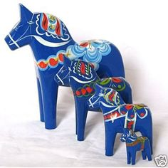 Dala horses to go in my future Scandinavian kitchen.