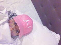 Hijab fashion tumblr ootd hat glasses stripe girl 😶
