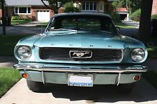 Ford : Mustang 2 door convertible 6 cylinder 1966 ford mustang 2 door convertible with standard bucket seats