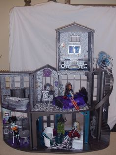 monster high house | OOAK Custom Monster High House For Robecca, Venus, Frankie Stein, and ...