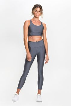 The Silver Leggings ensure ultimate comfort, with their smooth silky touch material. The four-way stretch fabric allows you to keep your cool through the most heated moments. Features a wide dual-layer waistband designed to enhance support around the lower abs and hips.