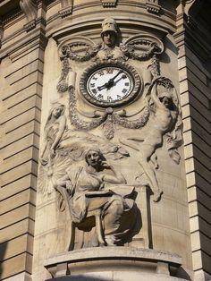 Bibliothèque nationale de France - Paris Site Richelieu: bas-relief à l Rémi Mathis
