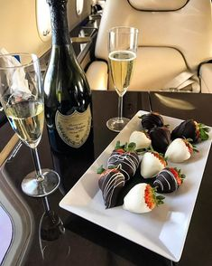 Image shared by Find images and videos about food, luxury and chocolate on We Heart It - the app to get lost in what you love. Don Perignon, Good Food, Yummy Food, Food Goals, Romantic Dinners, Romantic Dinner Setting, Aesthetic Food, Cravings, Sweet Tooth