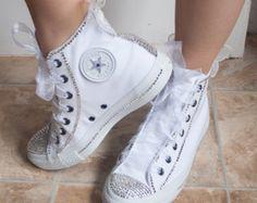 zapatillas de estilo converse con cristales y encaje de la