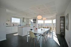 Flot køkken... Klik for at se fotos af boligen: http://www.robinhus.dk/ejendom/default.asp?boligid=58134