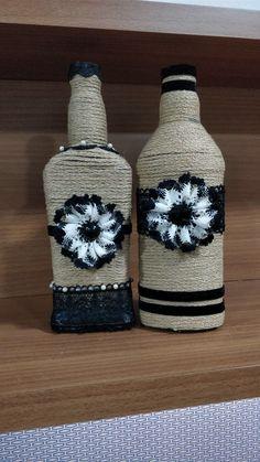 Wine Bottles, Burlap, Diy, Home Decor, Decorated Bottles, Mariana, Bottles, Blue Prints, Wine Bottle Glasses