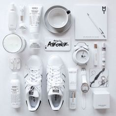 All white everything and a pop of black hand lettering. Obsessed.