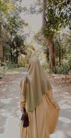 Modern Hijab Fashion, Muslim Women Fashion, Arab Girls Hijab, Muslim Girls, Hijabi Girl, Girl Hijab, Hijab Hipster, Mode Abaya, Hijab Fashionista