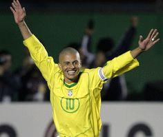 Remind Brazil greats who have not played a World Cup. ALEX - 2006 - Alemanha. Alex já tinha ficado fora da Copa de 2002. Para o Mundial de 2006, sua presença era dada como certa. O meia, depois de arrebentar com o Cruzeiro em 2003, foi titular, camisa 10 e capitão da seleção brasileira que venceu a Copa América de 2004 - ele, inclusive, foi o responsável por levantar a taça. Continuou sendo convocado depois e totalizou 17 partidas sob comando de Carlos Alberto Parreira. No entanto, não foi…