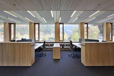 Grossraumbüro Einrichtung | Holz-Hybrid-Bausystem: Illwerke Zentrum Montafon, Büroeinrichtung
