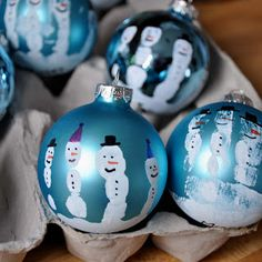 Little Bit Funky: handprint snowman ornament.   My children made these in school, but I want to keep doing it each year as they grow!