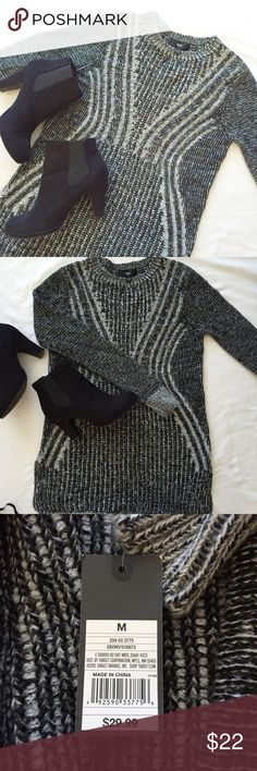 NWT Mossimo dark/light grey tunic length sweater This is the perfect tunic sweater for fall and winter! It looks awesome with black leggings or booties. Brand new, tags still attached. Pretty dark and light grey knit design 😍 Mossimo Supply Co Sweaters