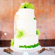 white with green flowers wedding cake