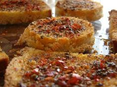 Image of Baked Bread Slices with Seasonings with Olive Oil – Recipes Turkish Breakfast, Cooking With Olive Oil, Cooking Oil, Bread Baking, Food And Drink, Brunch, Cooking Recipes, Snacks, Dishes