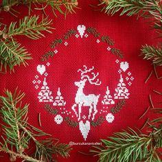 Happy Noel deer Cross Stitch