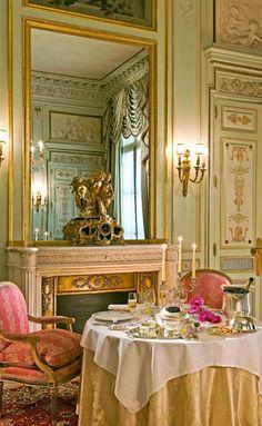 Elegant room service