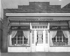 Sondag's Pastries, 1349 Lake Dr SE - October 18, 1944