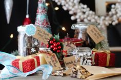 Tasty Homemade Jar Gift Ideas + Holiday Gift Guide  http://paleomg.com/tasty-homemade-jar-gift-ideas-holiday-gift-guide/