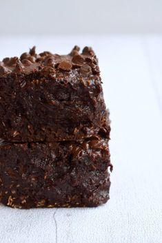 Fondant au chocolat et à la noix de coco Jamie Oliver, Gluten, Cooking, Healthy, Sweet, Desserts, Chocolate Fondant, Moist Cakes, Sweet Recipes