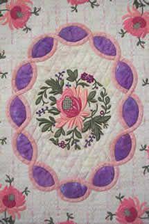 "Quilt Susan Stewart ""Chrysanthemum Cameo"""