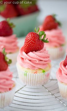 Strawberry Confetti Cupcakes with the best all natural strawberry frosting you will ever taste. These are perfect for baby showers, pink parties, or just for any regular Tuesday night! Cake Mix Recipes, Cupcake Recipes, Cupcake Cakes, Dessert Recipes, Gourmet Cupcakes, Cup Cakes, Pancake Cupcakes, Cupcake Piping, Delicious Cupcakes