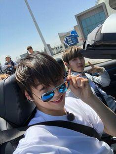 """[Fancafe] 180420 Wanna One Kang Daniel update with Kim Jaehwan at fancafe Trans """"wannable~~ looking forward 💖"""" 96 line in da house yorobun 💕💕💕 Jinyoung, Jaehwan Wanna One, First Boyfriend, Daniel K, Guan Lin, Fandom, Kim Jaehwan, Ha Sungwoon, Produce 101"""