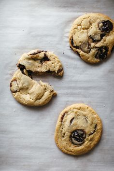 Salted Tahini Chocolate Chip Cookies | mynameisyeh.com
