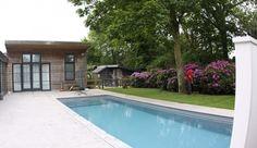 het eindresultaat: een zwemparadijs in de achtertuin.