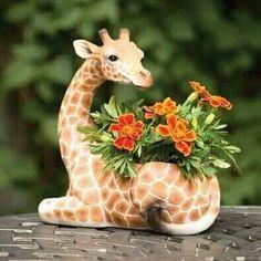 Bits and Pieces-Indoor/Outdoor Giraffe Planter-Safari Inspired Yard Patio Decor 8139740100205 Giraffe Decor, Giraffe Art, Cute Giraffe, Giraffe Bedroom, Balcony Garden, Garden Planters, Tire Garden, Giraffe Habitat, Safari