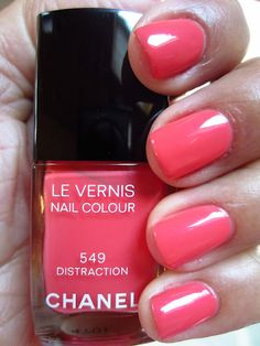 Chanel Distraction: the best coral pink nail polish