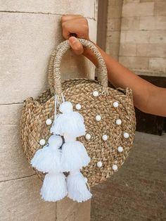 Adorable petite round straw bag with luxurious Agate stones. We work hand-in-hand with our artisans to create this exclusive Petite Luna Bag. Each stones are embellished from our studio in La Jolla, California. Crotchet Bags, Knitted Bags, Womens Beach Bag, Round Straw Bag, Diy Straw, Diy Tote Bag, Straw Tote, Basket Bag, Cheap Bags