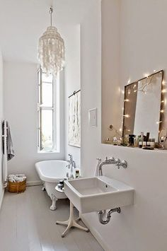 mole the simplicity of this white bathroom - found via my scandinavian home: A cool pared-back Berlin apartment Bad Inspiration, Bathroom Inspiration, Interior Inspiration, Bathroom Inspo, Style Boudoir, Berlin Apartment, Apartment Therapy, Bathroom Chandelier, Scandinavian Home