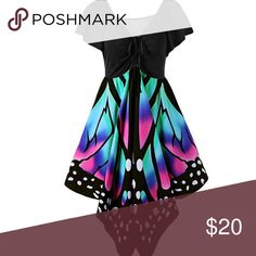 🦋butterfly top🦋 -Items do come from a pet friendly home (1cat-2dogs) in case anyone is allergic and needs to know! Tops Tunics