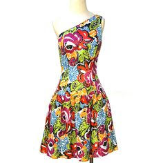 '80s One Shoulder Dress - love the shape