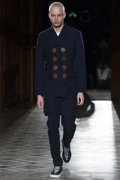 Givenchy | Menswear - Autumn 2017 | Look 2