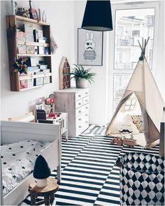 schönes Kinderzimmer in Schwarz/Weiss