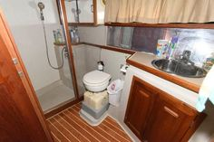 Used 1986 Carver 4207 Aft Cabin Motoryacht, 21220 Middle River - Boat Trader Middle River, Heat Exchanger, Yacht For Sale, Power Boats, Teak, Kitchen Cabinets, The Unit, Flooring, Interior